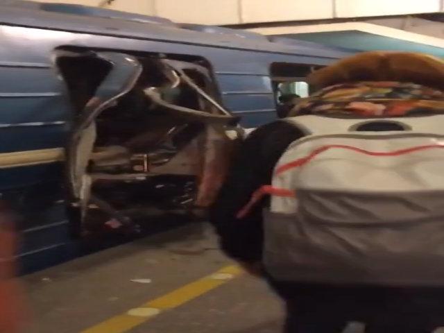 Hiện trường hỗn loạn sau vụ nổ tàu điện ngầm Nga