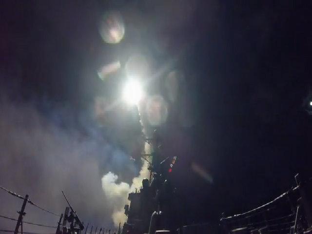 Tàu khu trục Mỹ phóng tên lửa Tomahawk tấn công căn cứ Syria