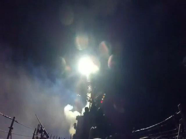 Lầu Năm Góc công bố video phóng tên lửa tấn công căn cứ Syria