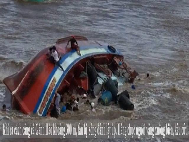Khoảnh khắc chìm tàu khiến 2 nữ sinh tử nạn ở lễ Nghinh Ông
