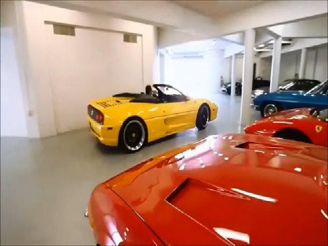 Garage đủ chỗ cho 20 xe