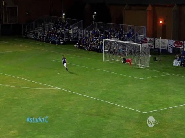 Nước Mỹ 'phát cuồng' thủ môn cản phá penalty bằng mặt hài nhất tuần qua