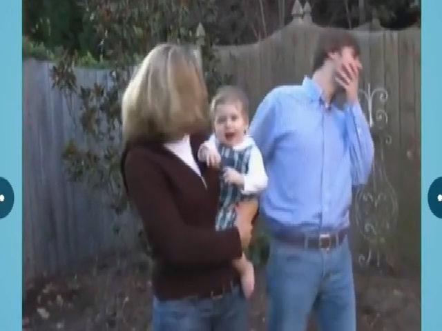 Ông bố đau đớn khi chụp ảnh gia đình
