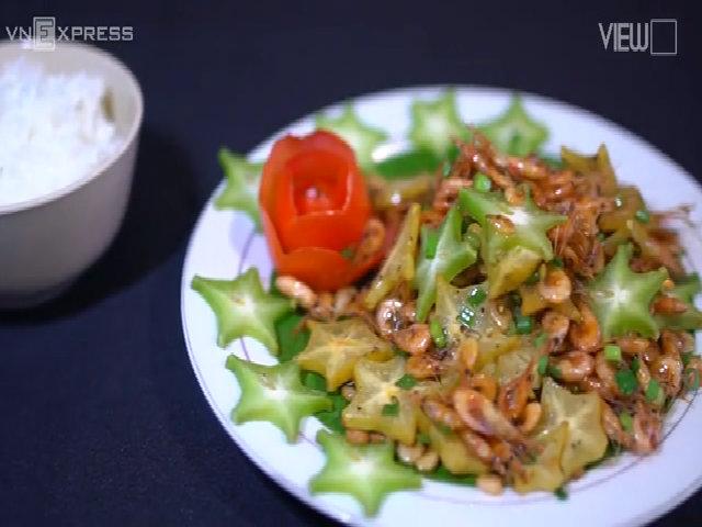 Ngon cơm với tép đồng rang khế chua