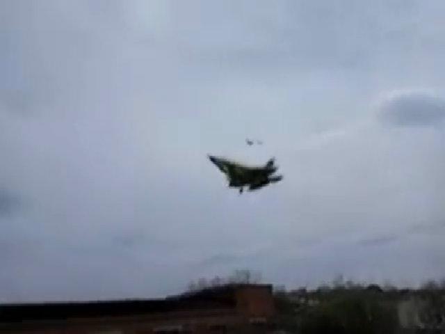 Trung Quốc bay thử tiêm kích tàng hình cho tàu sân bay