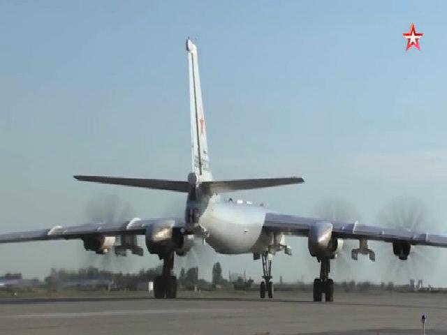 Oanh tạc cơ Nga xuất kích huấn luyện