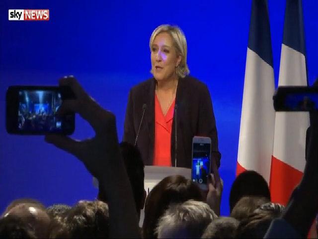 Bà Le Pen chúc mừng ông Macron