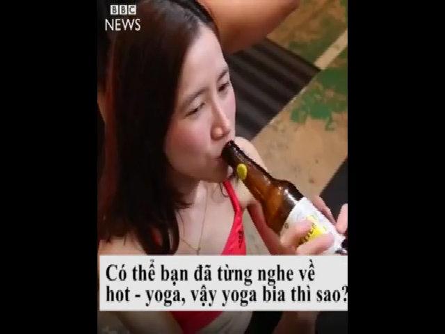 Phương pháp tập yoga bia gây sốt cộng đồng