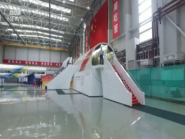 Bên trong máy bay chở khách đầu tiên Trung Quốc sản xuất
