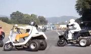 Xe 3 bánh Honda Gyro vào cua