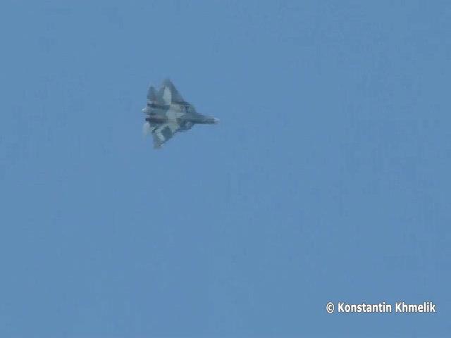 Siêu tiêm kích T-50 Nga lộ diện tính năng mới