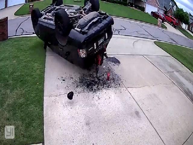 Tài xế Range Rover phá xe siêu nhanh