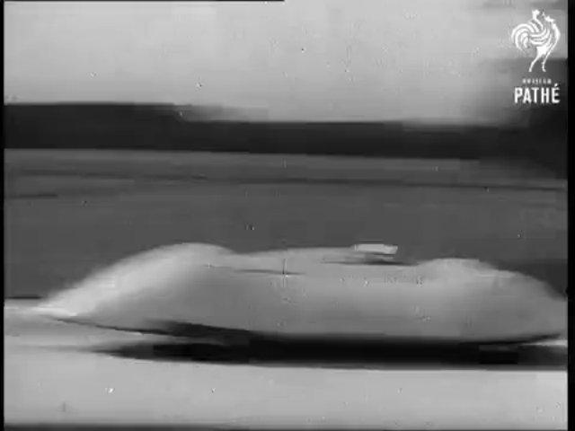 Auto Union V16 đạt tốc độ 432 km/h trên Autobahn