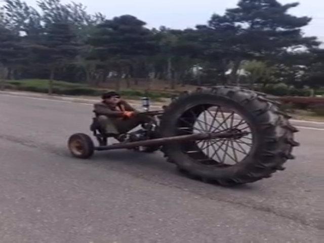 Người đàn ông Trung Quốc đi một loạt xe tự chế