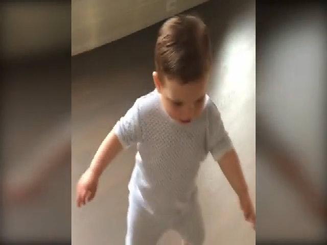 Ivanka Trump khoe video con trai út chập chững tập đi