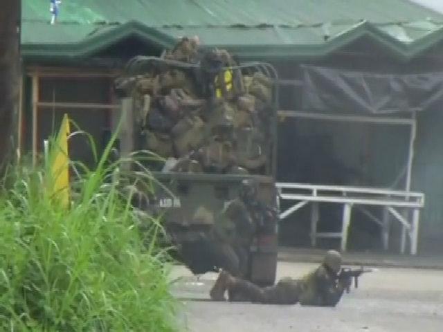 Lính Philippines đột kích thành phố Marawi