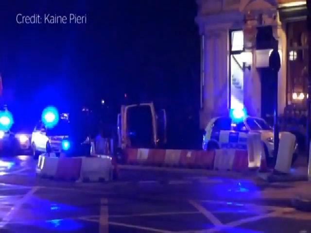 Lao xe tại London, ít nhất một người thiệt mạng