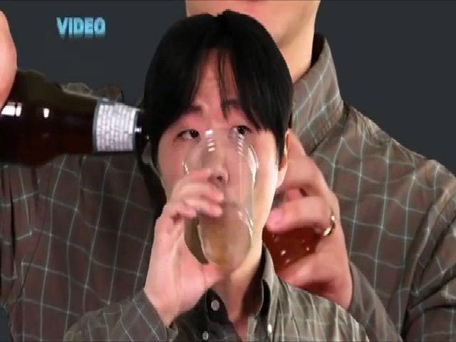 Tại sao nhiều người đỏ mặt khi uống bia rượu