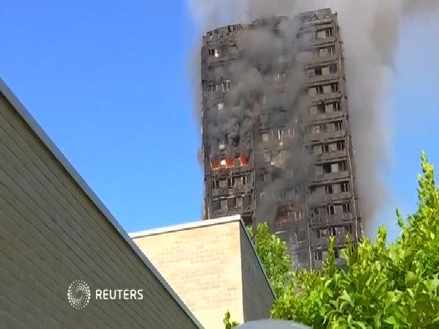 Hiện trường vụ cháy tháp chung cư Anh