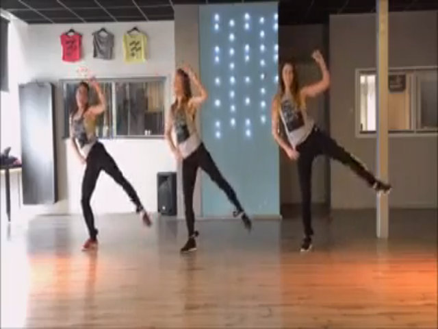 Bài nhảy vui vẻ với nhạc đốt cháy mỡ thừa hiệu quả