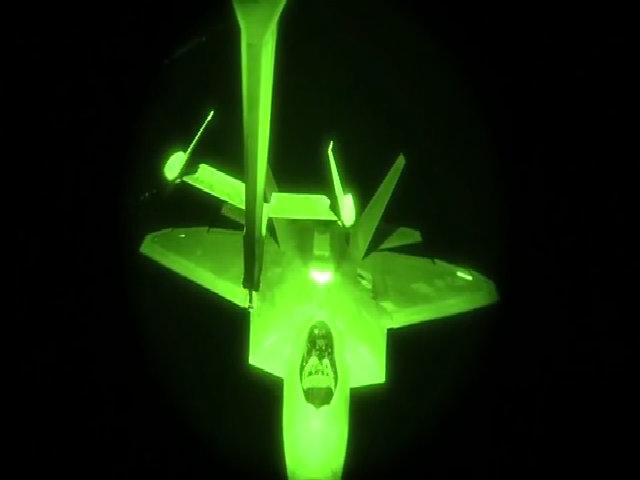 Tiêm kích F-22 - tai mắt của Mỹ trên chiến trường Syria