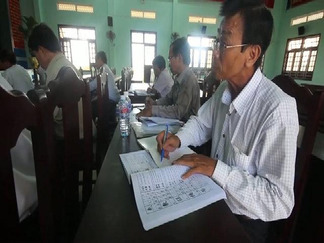 """Lớp học """"U65"""" ở Quảng Nam"""