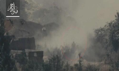 Tăng T-72 Syria bị phiến quân bắn rơi xuống sông