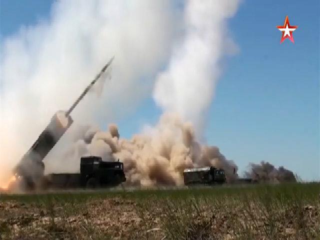 Pháo phản lực phóng loạt BM-30 Smerch