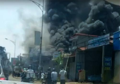 Đám cháy 3 giờ cướp sinh mạng 8 người ở Hà Nội