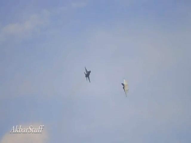 Tiêm kích Su-30 Indonesia đánh bại F-16 trong cận chiến