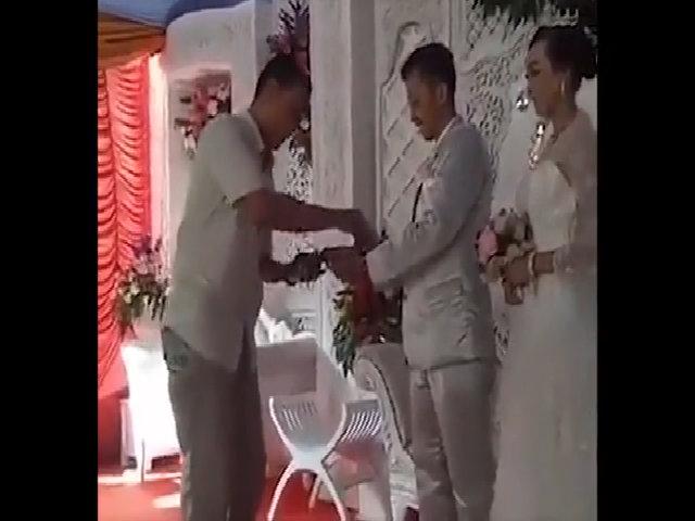 Đám cưới thời công nghệ