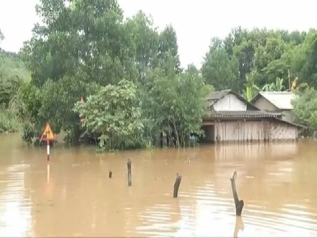Quảng Ninh ngập sâu trong nước lũ