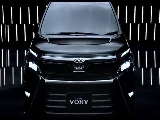 Toyota Voxy 2017 - MPV hạng sang đàn anh của Innova