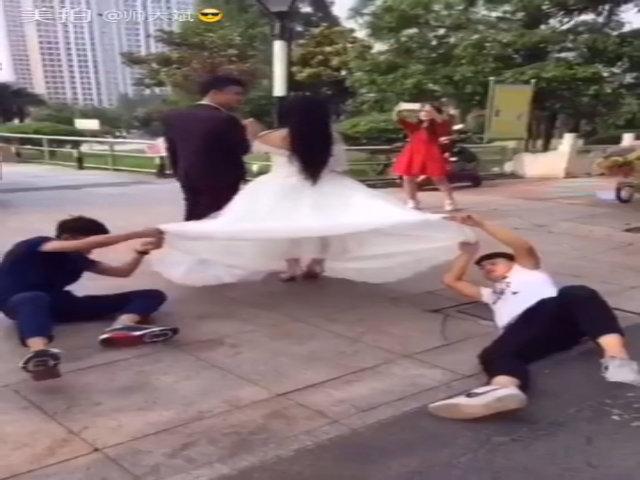 Hậu trường chụp ảnh cưới 'bá đạo'