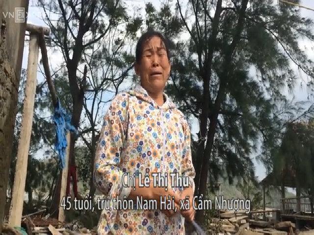 Người dân khóc khi hàng chục căn nhà bị bão Doksuri san phẳng
