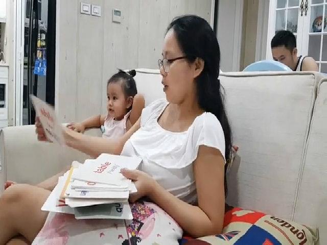 Cách dạy con học tiếng Anh qua flashcard của bà mẹ CEO 8x