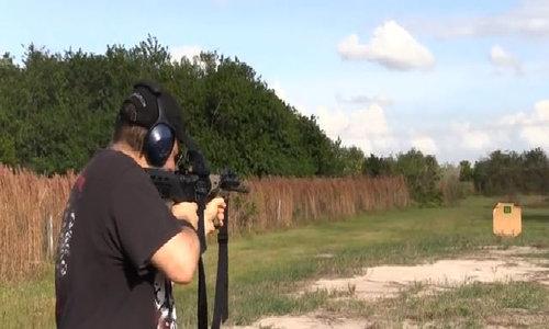 Tay súng Las Vegas lắp báng liên thanh cho 12 khẩu súng - Video Embed