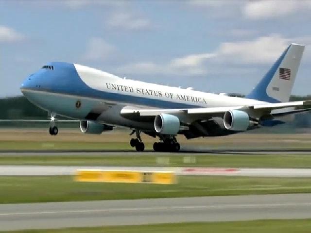 Không lực Một - biểu tượng uy quyền của Tổng thống Trump