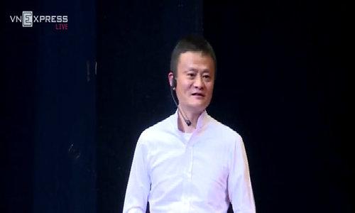 Tỷ phú Jack Ma phát biểu trước 3000 sinh viên Việt Nam