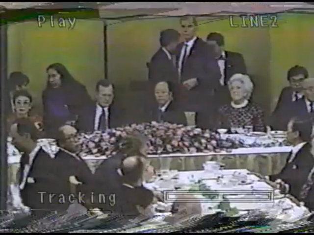 Tổng thống George H.W. Bush ngất ở Nhật năm 1992