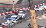 Tai nạn 'dồn toa' trên đường đua ở Macau