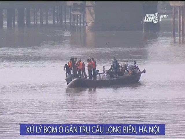 Di dời quả bom dưới chân cầu Long Biên