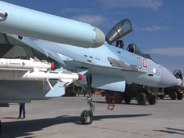 Cuộc đấu ngầm giữa Su-35 Nga và F-22 Mỹ trên bầu trời Syria