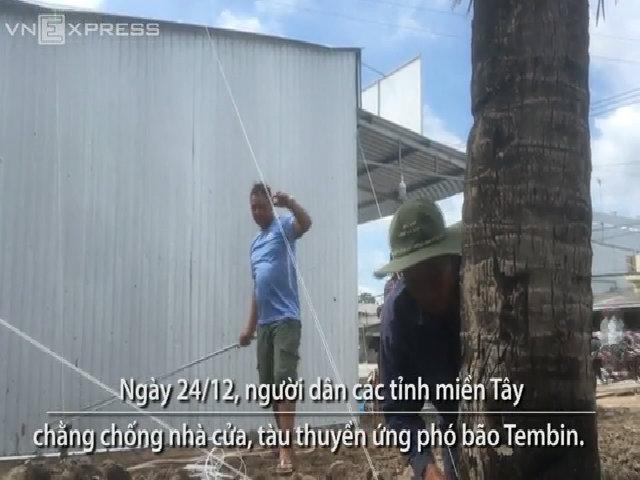 Người dân miền Tây chằng chống nhà cửa ứng phó bão Tembin
