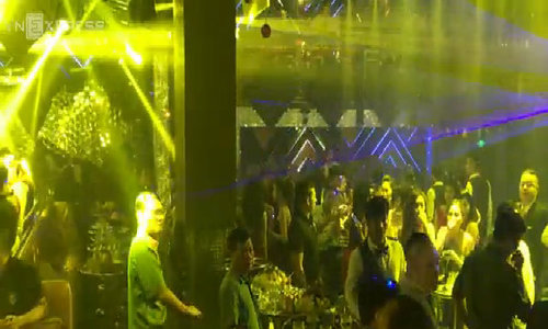 Hàng trăm cảnh sát bao vây kiểm tra hai quán bar lớn TP HCM