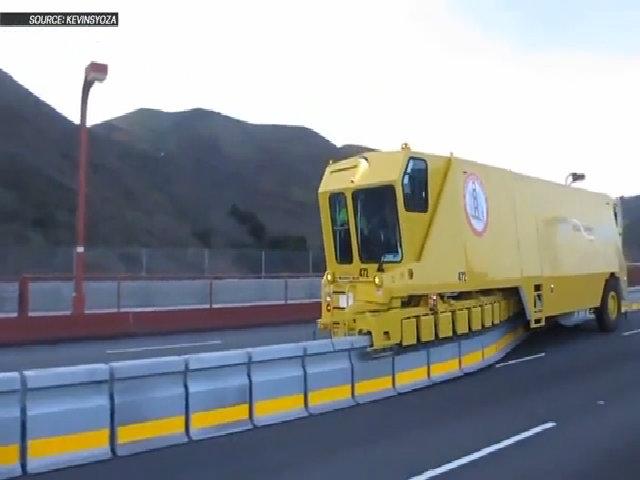 Hệ thống chuyển dải phân cáchZipper Truck sẽ giải quyết được kẹt xe ở Việt Nam?