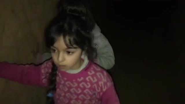 Bên trong những đường hầm trú ẩn ở Đông Ghouta