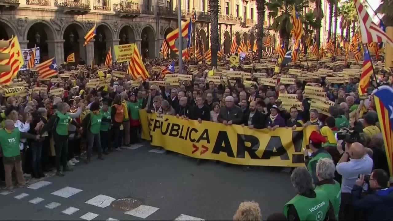 Hơn 40.000 người tuần hành đòi độc lập cho Catalonia