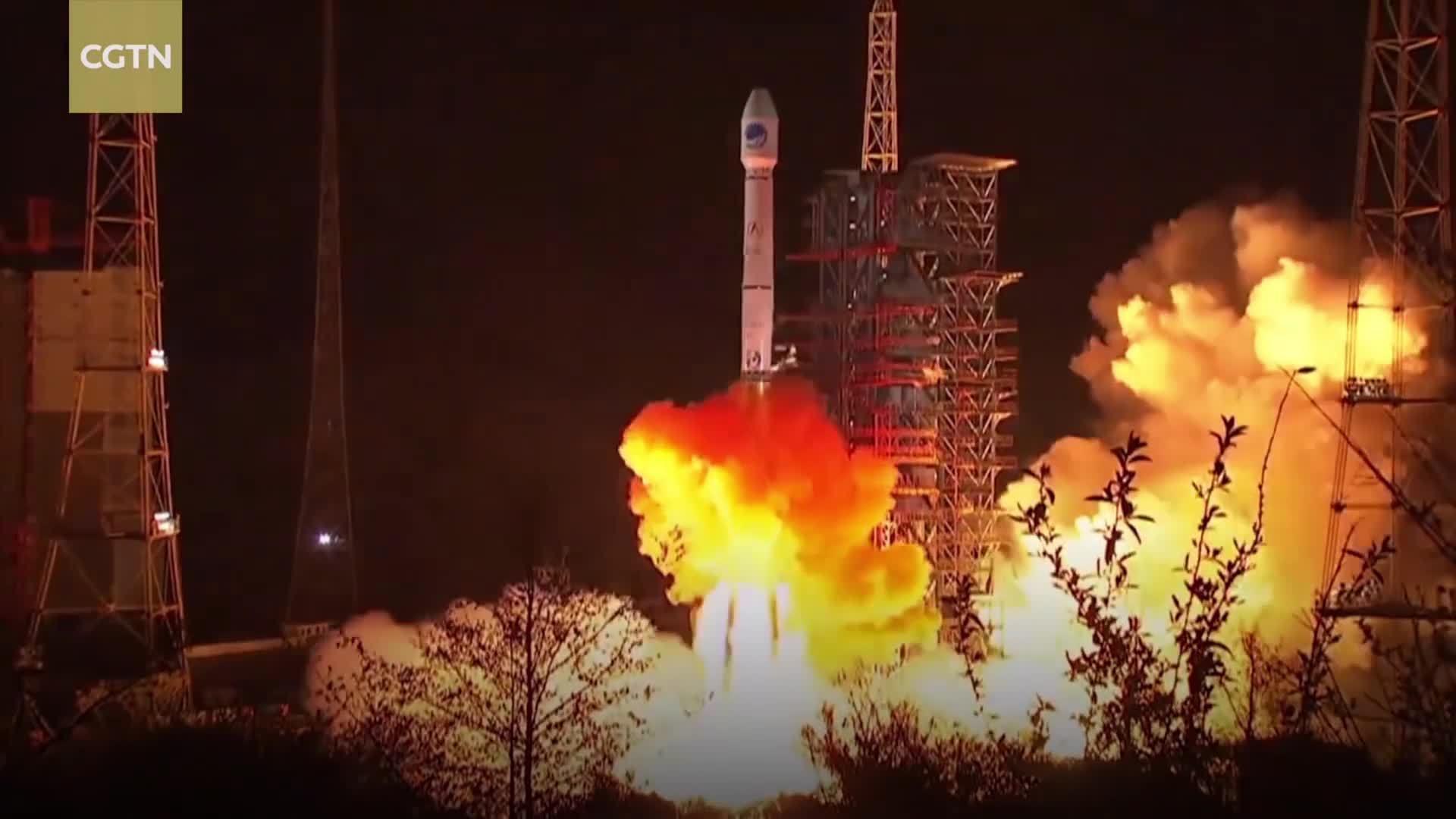 Trung Quốc phóng thành công hai vệ tinh bằng một tên lửa đẩy