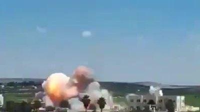 Tòa án Hồi giáo phiến quân nổ tung do trúng bom nhiệt áp Nga